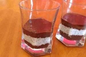 Chia magos bounty vegán pohárkrém